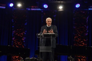 DR. DAVID JEREMIAH DELIVERS KEYNOTE SPEECH AT NQC 2015